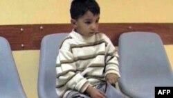 Annesiyle birlikte Suriye'den Lübnan'a kaçarken açılan ateş sonucu yaralanan altı yaşındaki İmran hayatı boyunca sakat yaşayacak