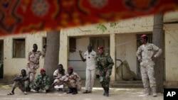 Militaires tchadiens à N'djamena le 9 mars 2015.
