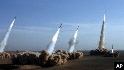 미사일을 시험발사하는 이란 혁명수비대 (자료사진)