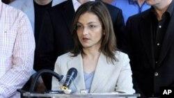 Информациите собрани од групата ги користела разузнавачка служба на една соседна држава, тврди министерката за надворешни работи, Гордана Јанкулоска