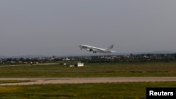 Phi trường Quốc tế Tripoli nằm dưới sự kiểm soát của dân quân từ vùng Zintan.