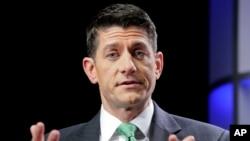 Chủ tịc Hạ viên Paul Ryan trả lời các câu hỏi trong một cuộc phỏng vấn của Associated Press tại Washington, ngày 13/9/2017.