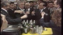 Berlusconi'ye İstifa Baskısı Arttı