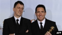 Музыканты Трент Резнор и Аттикус Росс - обладатели премии за лучший саундтрек («Социальная сеть»).