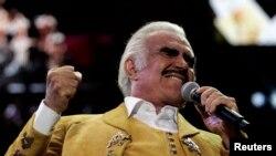 El ídolo de las rancheras, Vicente Fernández, hizo el corrido a petición de Latino Victory Project.