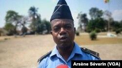 Lieutenant Aïgon Ndoudi satisfait de nouvelles techniques d'interrogatoire apprises auprès du FBI Brazzaville, le 6 septembre 2019. (VOA/Arsène Séverin)