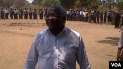 Afonso Dhlakama, líder da RENAMO em Gorongosa onde diz ter acantonado actualmente mais de 5 mil antigos combatentes do período da guerra cívil