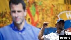 Henrique Capriles durante un mitin de campaña el pasado 15 de julio en Caracas.