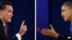 Tổng thống Obama thuộc đảng Dân chủ và cựu Thống đốc bang Massachusetts thuộc đảng Cộng hòa Mitt Romney