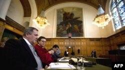 Tòa án Quốc tế tại The Hague đã ra phán quyềt cho Costa Rica và Nicaragua di chuyển lực lượng khỏi vùng biên giới tranh chấp