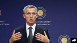 Tổng thư ký NATO Jens Stoltenberg nói rằng liên minh đã thấy có những đợt chuyển quân gần đây trong khi Moscow tiếp tục hỗ trợ phe ly khai ở miền đông Ukraine