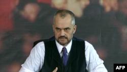 Shqipëri, socialistët zyrtarizojnë ofertën për zgjidhjen e ngërcit mbi hetimin e zgjedhjeve