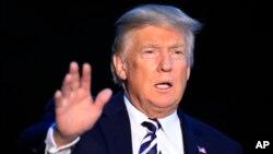 El presidente Donald Trump dice que Canadá podría quedar fuera del TLCAN.