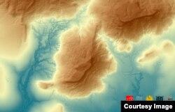 សណ្ឋានដីនៅតំបន់ភ្នំ ដែលស្ថិតនៅភាគខាងជើងប្រាសាទអង្គរ។ (រូបថតដកស្រង់ចេញពីគេហទំព័រ The Cambodian Archaeological Lidar Initiative)