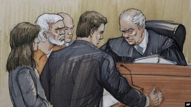 지난 17일 미국 시카고 법원에서 판사의 선고를 듣는 뭄바이 테러 용의자 타호우르 라나. (자료사진)