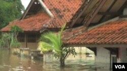 ARSIP - Rumah-rumah yang terendam banjir karena luapan S. Citarum, Bandung, Jawa Barat
