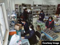 Fotografije unutrašnjosti tvornice respiratora. (Foto: Beijing Aerospace, WeChat)