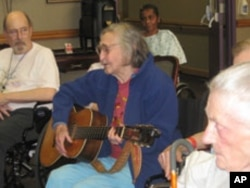 When Petric was hospitalized after a fall, club members moved the regular jam session to her hospital room.