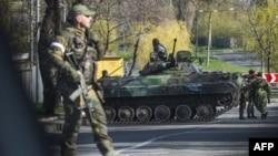 Проросійські бойовики в Донецьку