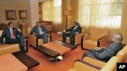 Rwanda President Paul Kagame, left, Tanzania President Jakaya Kikwete, Uganda President Yoweri Museveni, and DRC President Joseph Kabila, at the opening of the International Great Lakes Conference, Aug. 7, 2012
