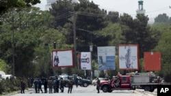نیروهای امنیتی افغانستان در مجاورت محل برگزاری نشست «شورای علمای افغان» یا لویه جرگه در منطقه ۵ کابل - ۱۴ خرداد ۱۳۹۷