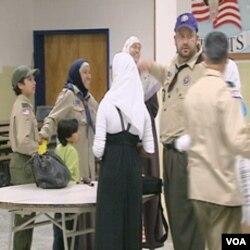Sa zajedničkog okupljanja skauta muslimana, njhoviha porodica i drugih u sdrednjoj školi nedaleko od Washingtona, u području oko Medjunarodnog aerodroma Dulles