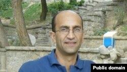 سیامک قادری، روزنامه نگار، با پایان دوره محکومیت 4 ساله خود، از زندان آزاد شد