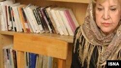سیمین بهبهانی، شاعر و نویسنده معاصر ایران