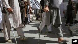 انفجار بمب و مین هرساله بسیاری از شهروندان افغانستان را دچار سانحه می کند- آرشیو