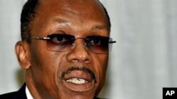 海地前總統阿里斯蒂德星期四在南非約翰內斯堡舉行記者招待會