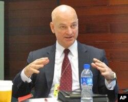 美国消费品安全委员会驻京代表杰夫•希尔内根