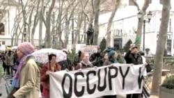 Nyu-Yorkda yirik bizneslarga qarshi namoyishlar davom etmoqda/Occupy Wall Street target corporations
