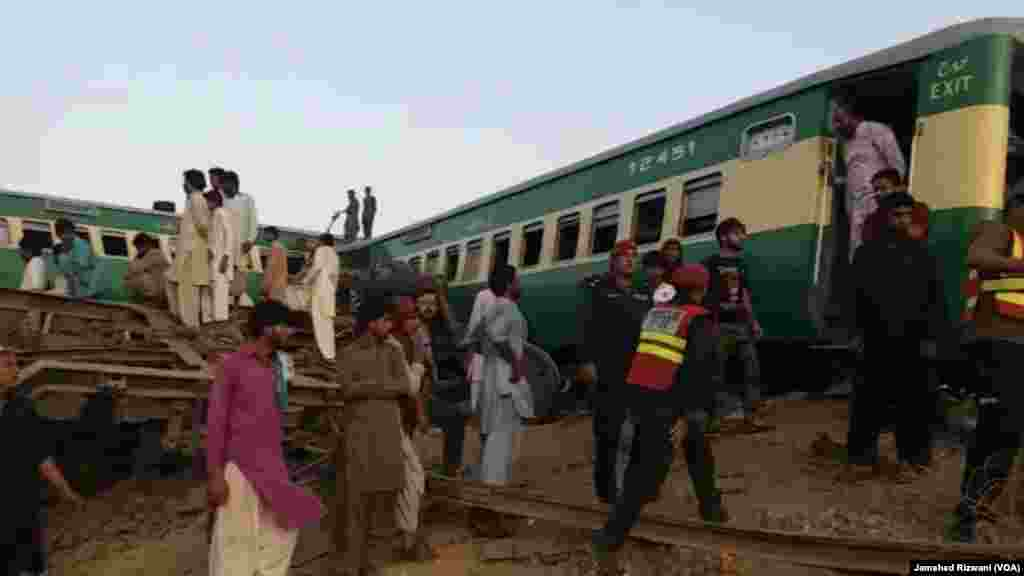 ریلوے حکام کا کہنا ہے کہ بظاہر لگتا ہے کہ حادثہ بروقت کانٹا تبدیل نہ کرنے کے باعث پیش آیا۔ تاہم حادثے کی اصل وجوہات کا تعین تحقیقات مکمل ہونے کے بعد ہی ہوسکے گا۔