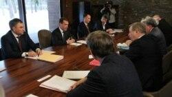 مدودف با اپوزيسيون روسيه وارد مذاکره شد