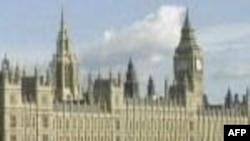 Britaniyanın Liberal Demokratlar partiyası Mühafizəkarlar partiyası ilə müzakirələrə başlayıb