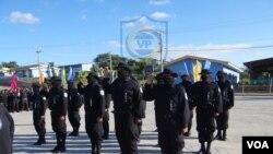 Los soldados condecorados por la operación en Masaya aparecieron todos encapuchados. (Foto cortesía de la policía de Nicaragua)