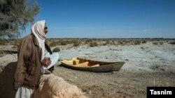 خشکسالی در ایران دریای هیرمند در سیستان و بلوچستان آن کشور را به کویر مبدل کرده است