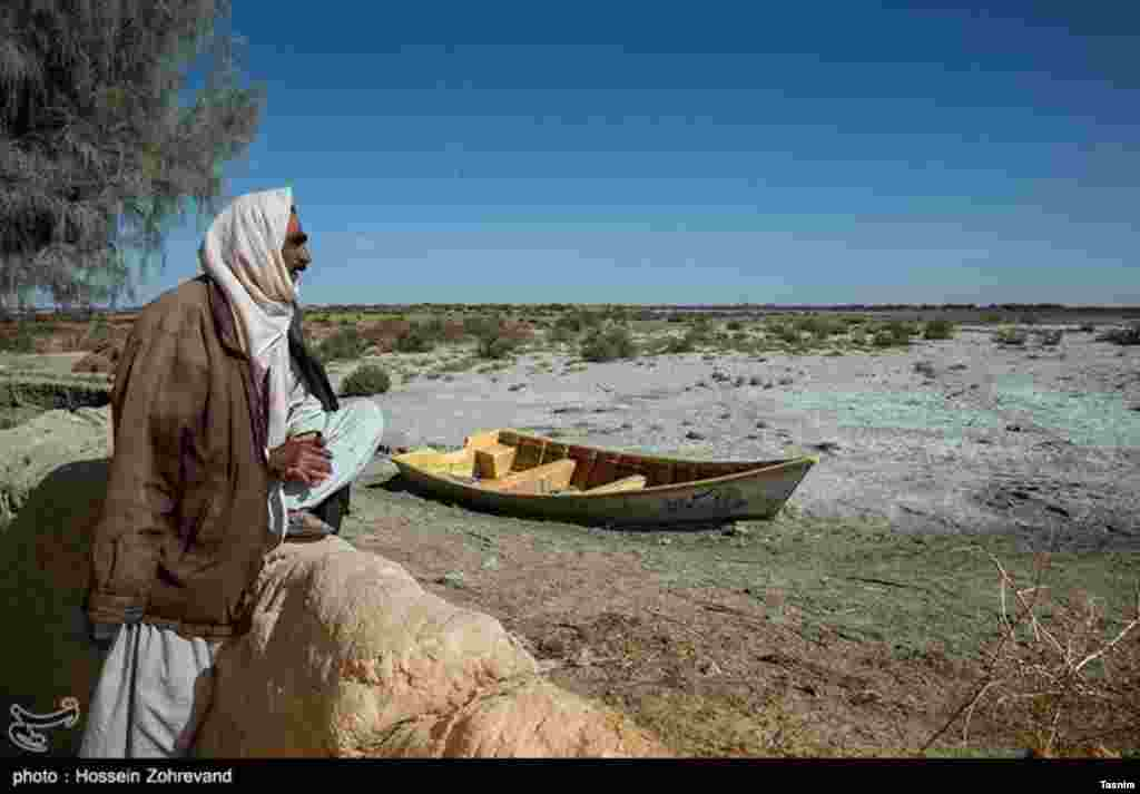خشکسالی در رودخانه هیرمند در استان سیستان و بلوچستان عکس: حسین ظهروند