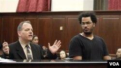 Jose Pimentel (kanan) di pengadilan kota New York (Foto: dok).