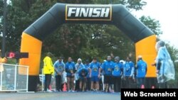 The Ahmadiyya Muslim Youth Association hosted a 5K run/walk to raise money for a local food bank and an international charity in Washington, D.C., Oct. 1, 2016. It was chilly; most runners dressed in black sweatpants and blue T-shirts.