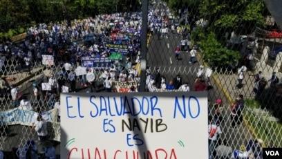 El Salvador: Miles de salvadoreños regresaron a las calles contra las políticas del presidente Nayib Bukele