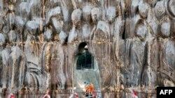 """Строительство """"Стены скорби"""" в память жертв политических репрессий авторства скульптора Георгия Франгуляна"""