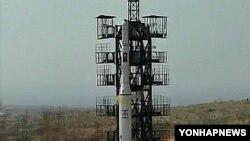 Северокорейская ракета на стартовой позиции (архивное фото)