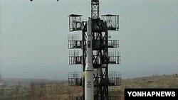 2009년 북한이 쏘아올린 장거리 미사일 광명성 2호 발사 장면.