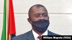 Amade Miquidade, ministro moçambicano do Interior