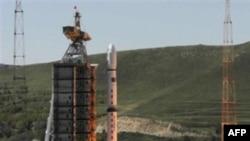 Запуск в космос ракеты со спутником на борту. Китай. 19 сентября 2007 года