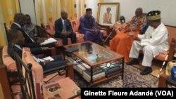 Visite de la délégation de l'ONU au domicile de Nicéphore Dieu Donnée Soglo, à Cotonou, le 22 mars 2019. (VOA/Ginette Fleure Adandé)