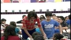 与学童共餐 第一夫人推学校膳食新菜单