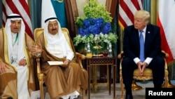 美国总统川普与科威特埃米尔总统萨巴赫(Sabah Al-Ahmad Al-Jaber Al-Sabah)在沙特阿拉伯会面(2017年5月21日)
