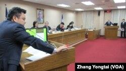 台湾立法院外交及国防委员会12月14号质询的情形(美国之音张永泰拍摄)